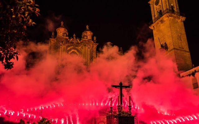 Al llegar la Semana Santa, ¡Vente a Cádiz!